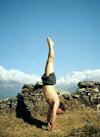 Van_Clayton_Powel_handstand